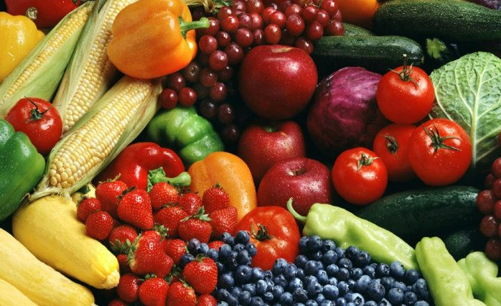 Ordering local food through social networks